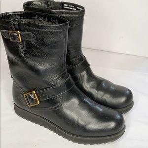 CLARKS Womens Arisda Cashel Boot